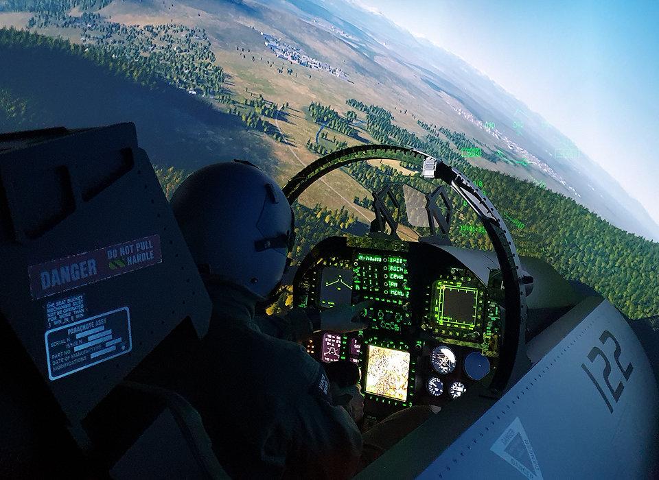F-18 cockpit simulator with fuselage flight