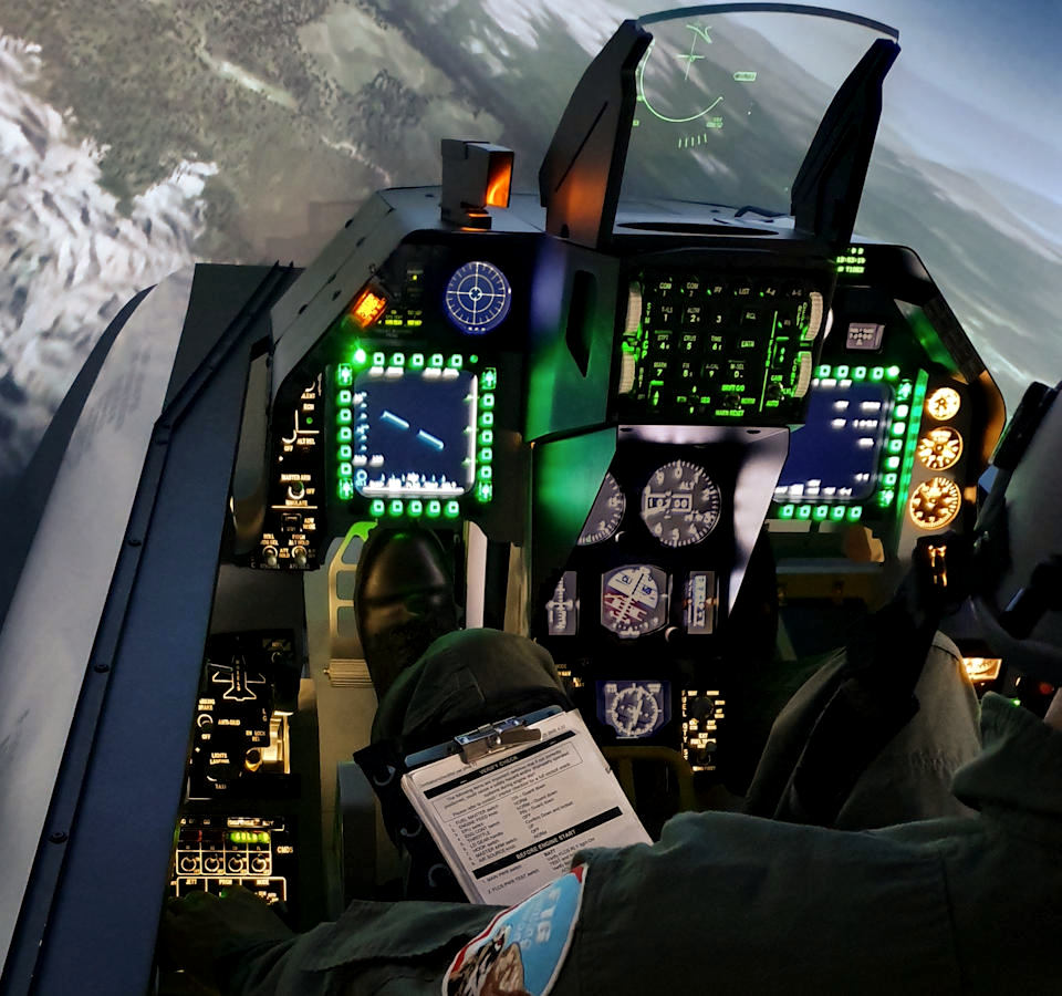 Full F-16 fighter simulator